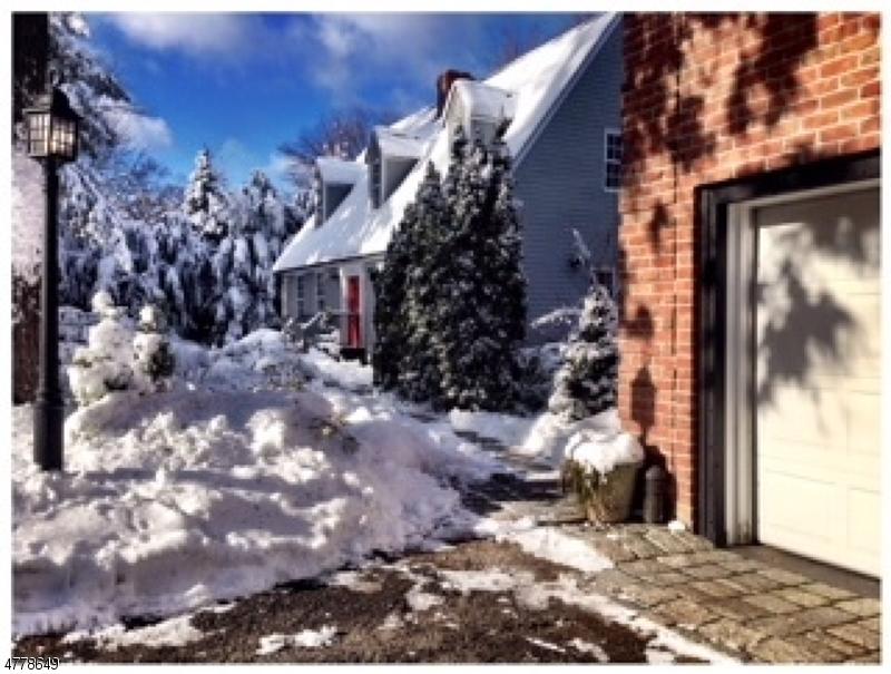 Villa per Vendita alle ore 173 Point Breeze Drive West Milford, New Jersey 07421 Stati Uniti