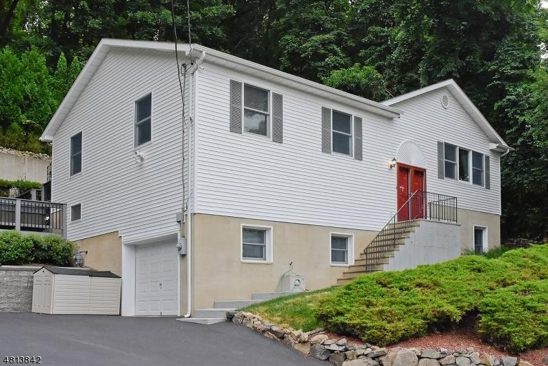 Частный односемейный дом для того Продажа на 72 GROVE Avenue Morris Plains, Нью-Джерси 07950 Соединенные Штаты