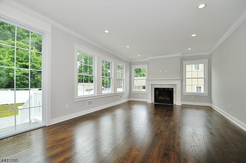 Maison unifamiliale pour l Vente à 101 LEFFERTS Lane Clark, New Jersey 07066 États-Unis