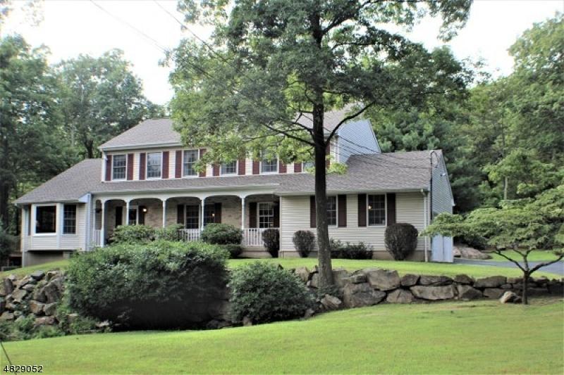 Μονοκατοικία για την Πώληση στο 105 CATSWAMP Road Allamuchy, Νιου Τζερσεϋ 07840 Ηνωμενεσ Πολιτειεσ