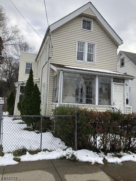 Maison unifamiliale pour l Vente à 438 BURNSIDE Street Orange, New Jersey 07050 États-Unis