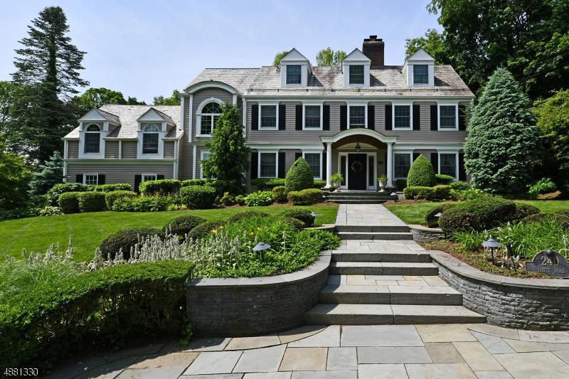 Maison unifamiliale pour l Vente à 240 LOTTE Road Ridgewood, New Jersey 07450 États-Unis