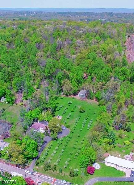 single family homes für Verkauf beim Bridgewater, New Jersey 08836 Vereinigte Staaten