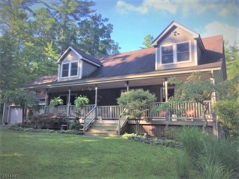 Single Family Homes pour l Vente à Montague, New Jersey 07827 États-Unis