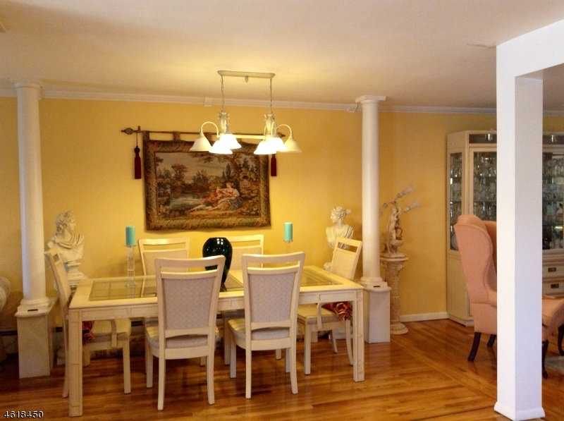 Additional photo for property listing at 93 Platt Avenue  Saddle Brook, New Jersey 07663 United States