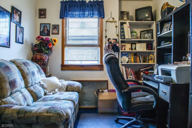 Additional photo for property listing at 112 Elm Street  Elizabeth, Нью-Джерси 07208 Соединенные Штаты