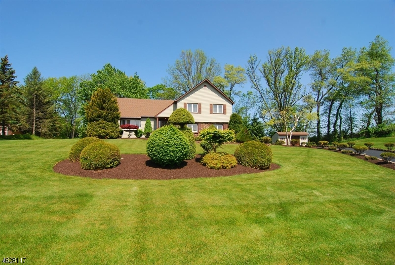 Частный односемейный дом для того Продажа на 22 Pelletown Road Augusta, 07822 Соединенные Штаты