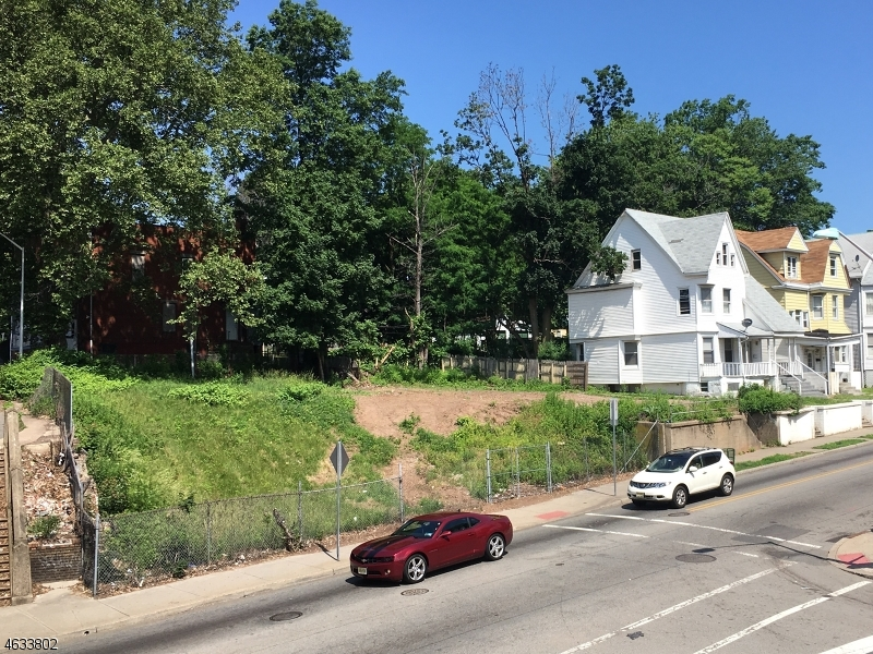 Additional photo for property listing at 61 N Grove Street  East Orange, New Jersey 07017 United States