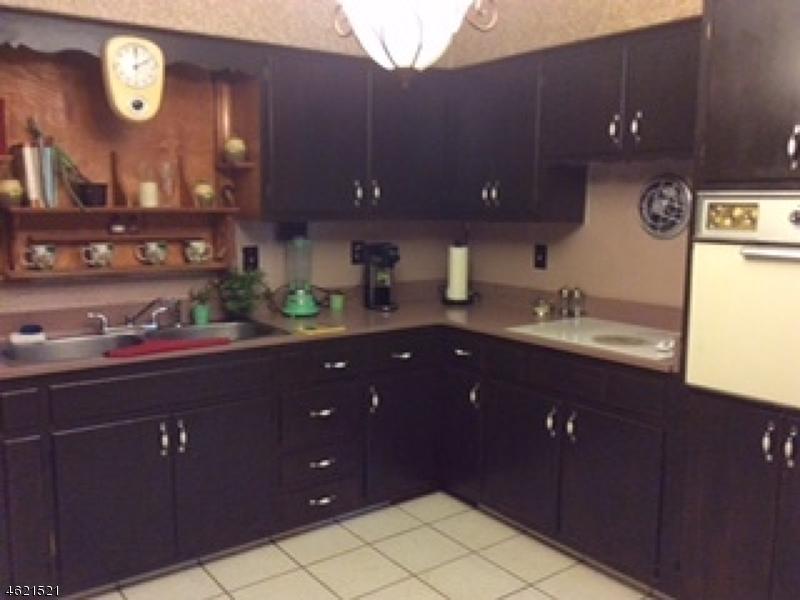 Additional photo for property listing at 7 Sunnyside Lane  Hillsborough, New Jersey 08844 États-Unis