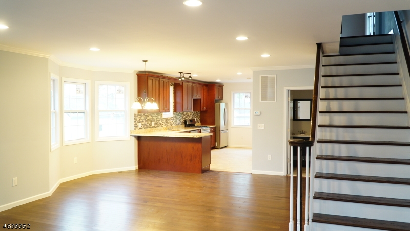 Additional photo for property listing at Address Not Available  Edison, Nueva Jersey 08820 Estados Unidos