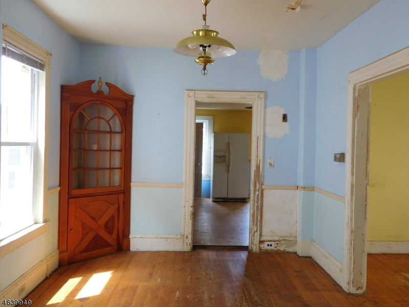 Additional photo for property listing at 166 W Washington Avenue  Washington, Nueva Jersey 07882 Estados Unidos