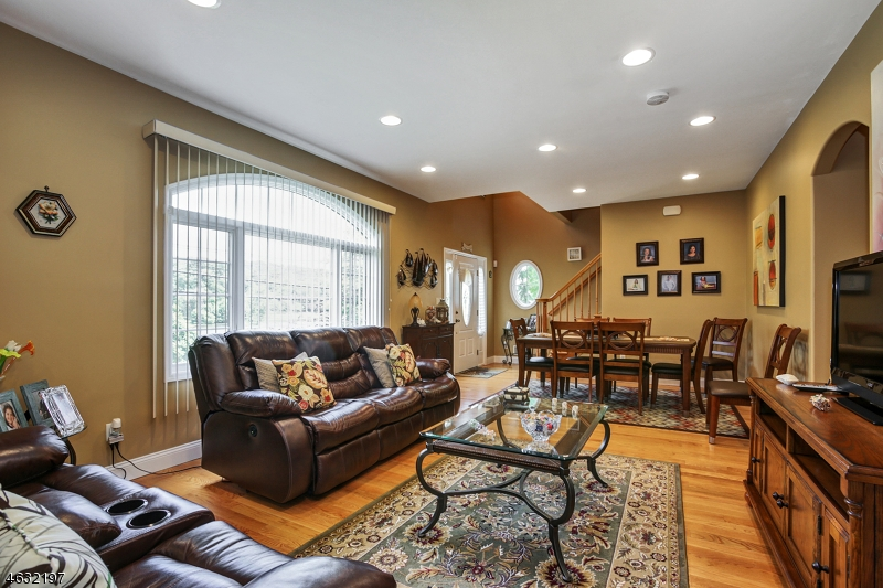 Additional photo for property listing at 109 Mountain Blvd  Watchung, Nueva Jersey 07069 Estados Unidos