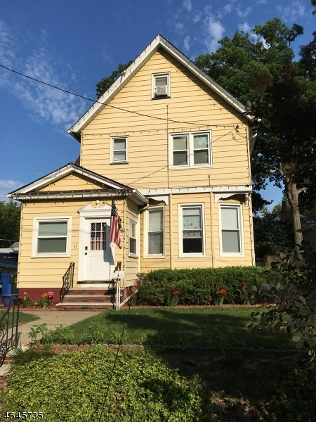 Частный односемейный дом для того Продажа на 33 Hawthorne Street Rutherford, Нью-Джерси 07070 Соединенные Штаты