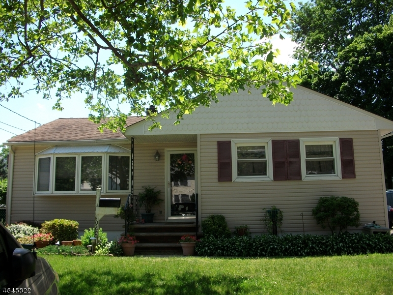 Additional photo for property listing at 1060 Bordentown Avenue  Parlin, Нью-Джерси 08859 Соединенные Штаты