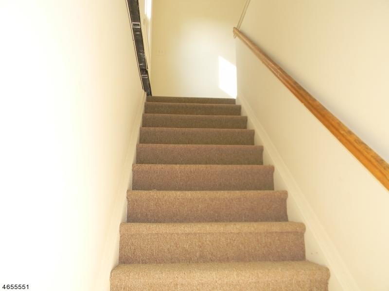 Частный односемейный дом для того Аренда на 267 Park Ave, UNIT 4D East Orange, 07017 Соединенные Штаты