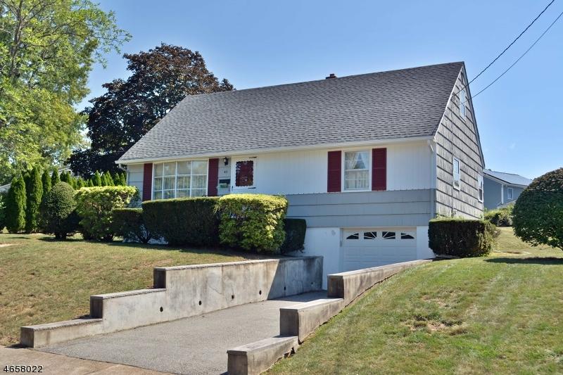 Maison unifamiliale pour l Vente à 43 Longport Road Wayne, New Jersey 07470 États-Unis