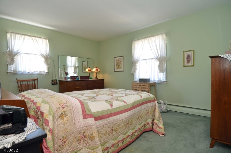 Additional photo for property listing at 43 Longport Road  Wayne, New Jersey 07470 États-Unis