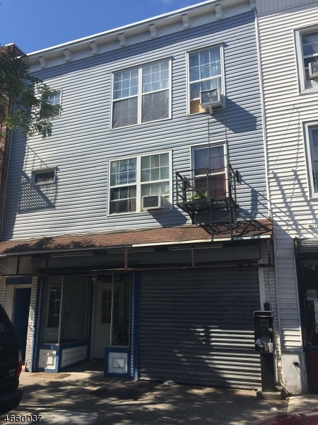 Additional photo for property listing at 128 1st Street  Elizabeth, New Jersey 07206 États-Unis