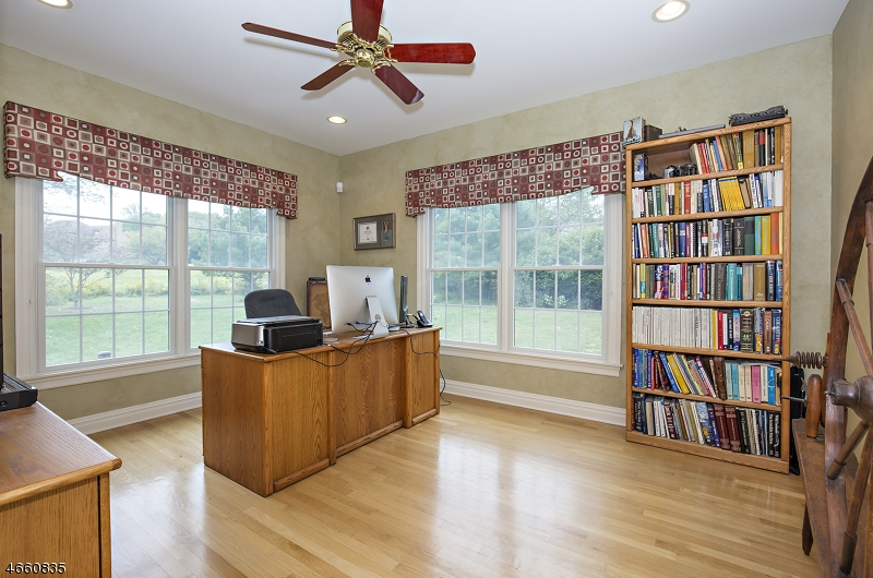 Additional photo for property listing at 8 PARTRIDGE RUN  Hampton, New Jersey 08827 United States