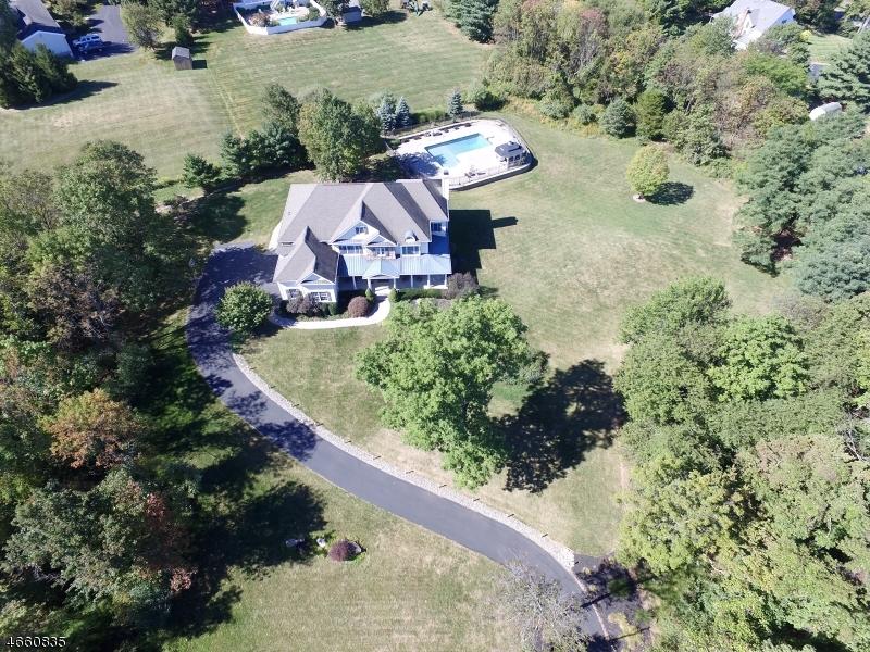 Additional photo for property listing at 8 PARTRIDGE RUN  Hampton, Nueva Jersey 08827 Estados Unidos