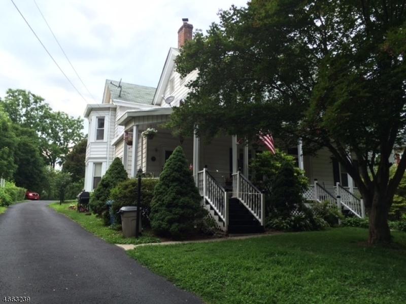 Casa Unifamiliar por un Alquiler en 453 Main Street Three Bridges, Nueva Jersey 08887 Estados Unidos