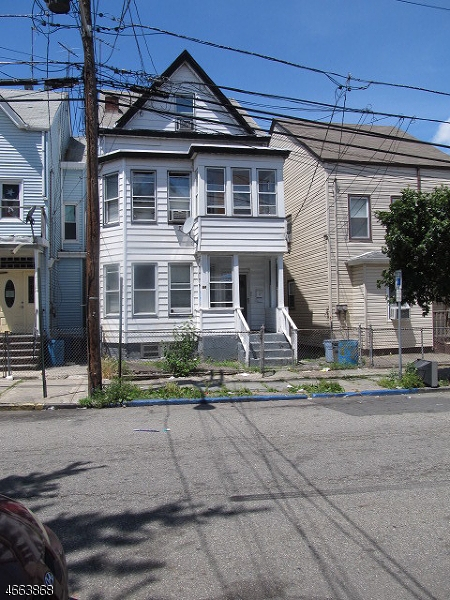 Additional photo for property listing at 64 Mercer Street  Paterson, Нью-Джерси 07524 Соединенные Штаты