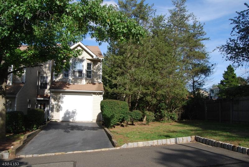 Частный односемейный дом для того Аренда на 11 Leahy Court Somerset, 08873 Соединенные Штаты
