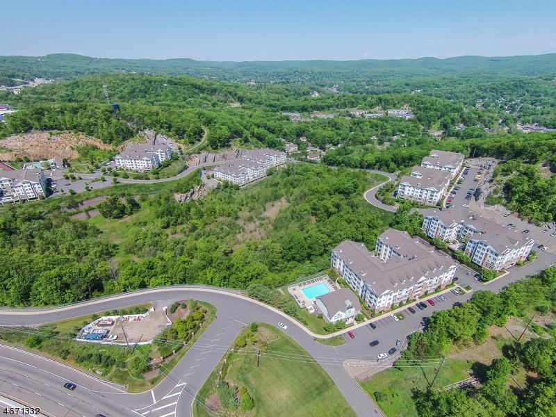 Maison unifamiliale pour l à louer à 6102 Brookhaven Court Riverdale, New Jersey 07457 États-Unis