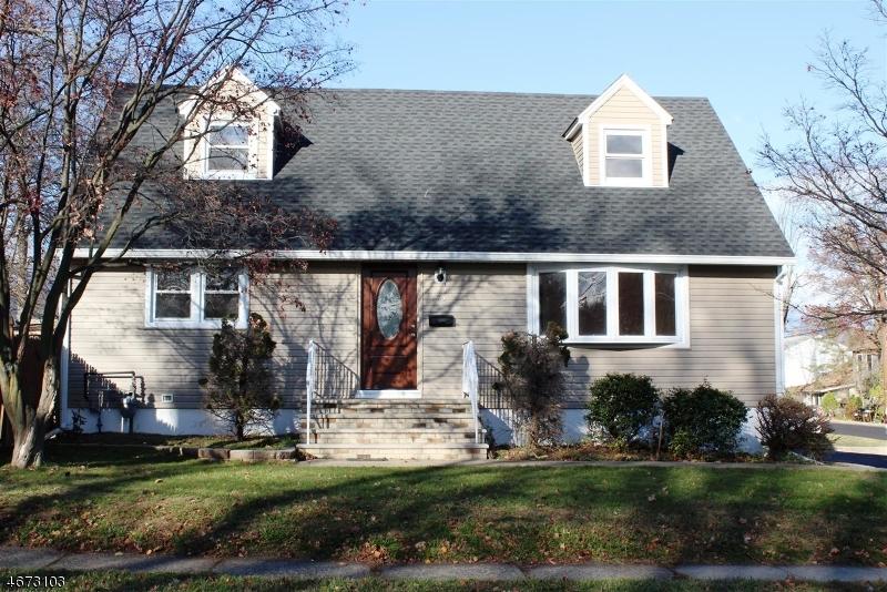 Частный односемейный дом для того Продажа на 172 Lake Shore Drive Lake Hiawatha, 07034 Соединенные Штаты