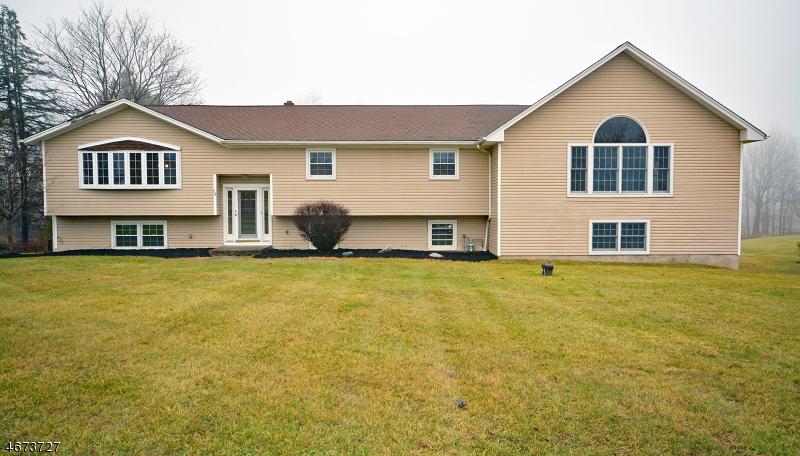 独户住宅 为 销售 在 14 Deerfield Drive Franklin, 07416 美国