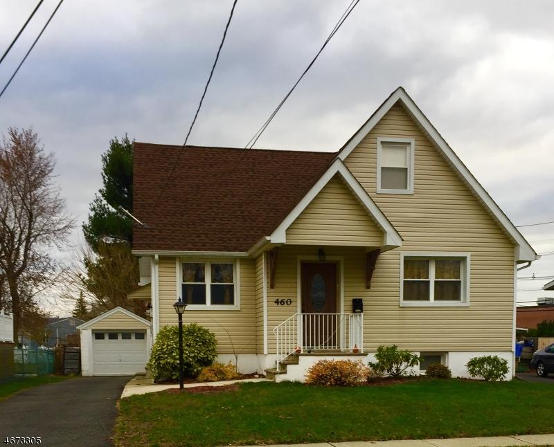 Maison unifamiliale pour l Vente à 460 Victor Street Saddle Brook, New Jersey 07663 États-Unis