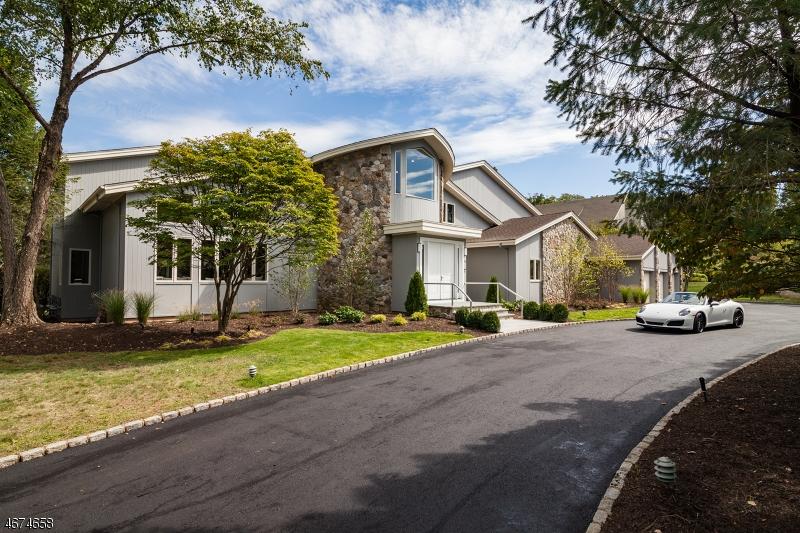 独户住宅 为 销售 在 33 Mountain Ridge Drive 利文斯顿, 07039 美国