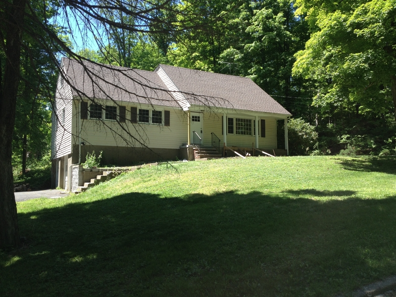 Single Family Home for Rent at 20 Riverview Road Oak Ridge, New Jersey 07438 United States