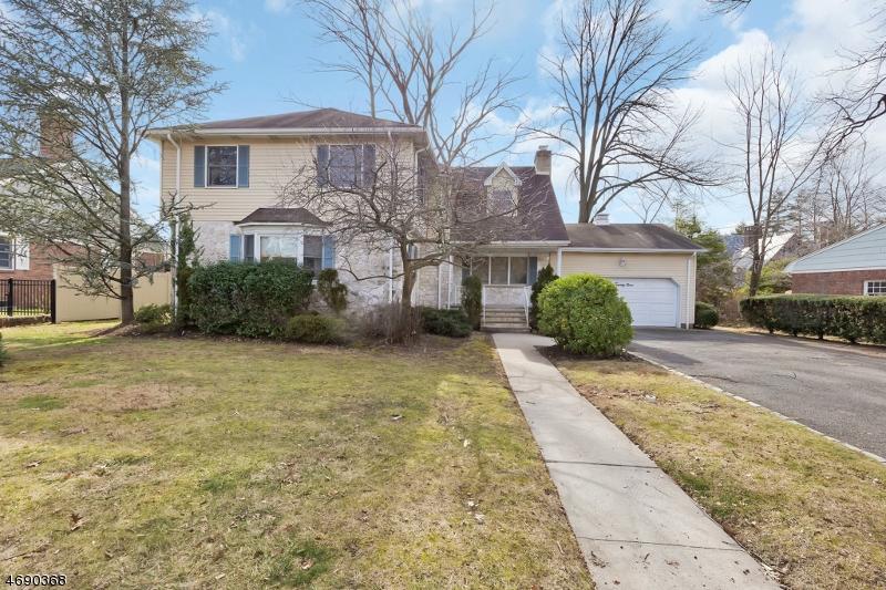 Частный односемейный дом для того Продажа на 629 Lincoln Park E Cranford, 07016 Соединенные Штаты