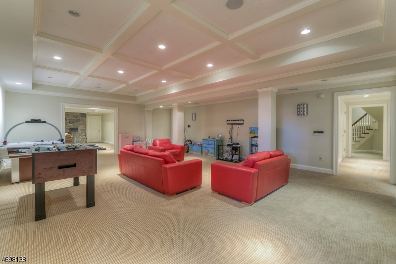 Additional photo for property listing at 71 Hillside Avene  Millburn, New Jersey 07078 États-Unis