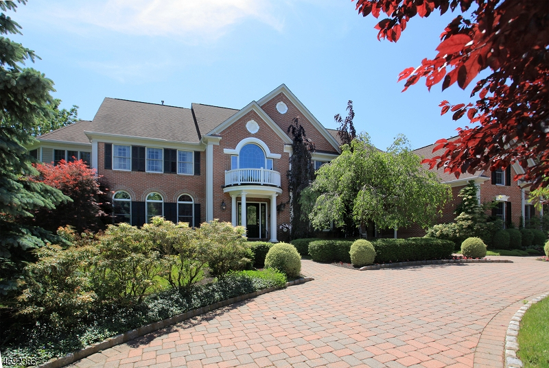 独户住宅 为 销售 在 101 Canoe Brook Lane 法菲尔斯, 07931 美国