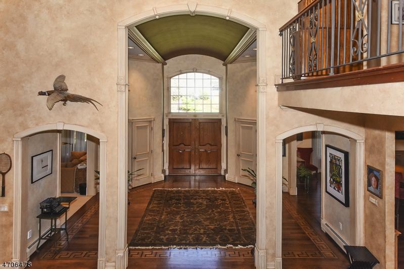 Частный односемейный дом для того Продажа на 25 Sunflower Drive Upper Saddle River, 07458 Соединенные Штаты