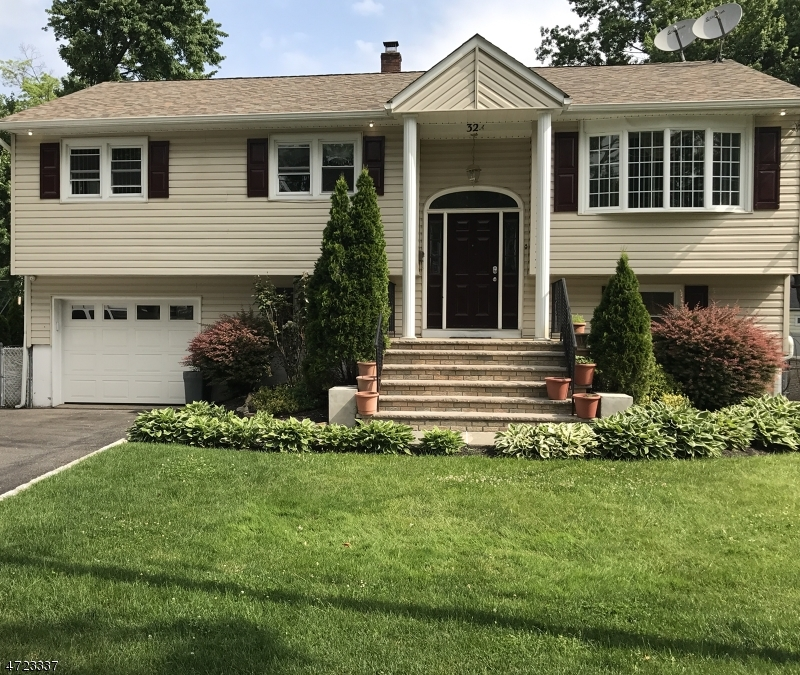 Single Family Home for Sale at 32A RIDGEWOOD Avenue Lake Hiawatha, New Jersey 07034 United States