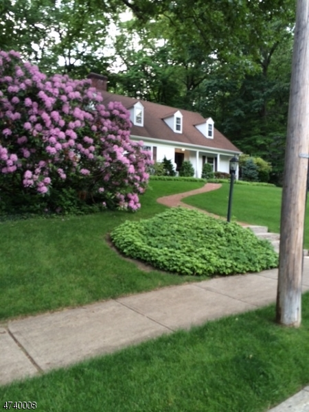 Single Family Home for Sale at 208 BEECHWOOD Road Ridgewood, New Jersey 07450 United States
