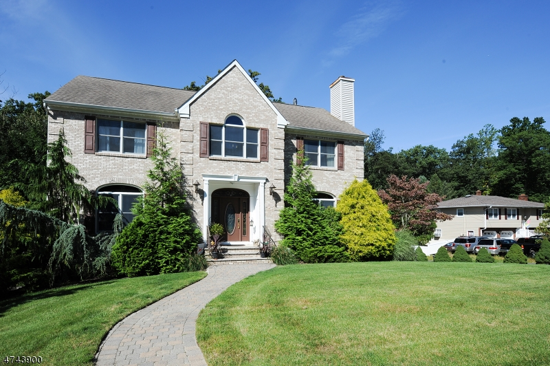 Частный односемейный дом для того Продажа на 122 Tamboer Drive North Haledon, Нью-Джерси 07508 Соединенные Штаты