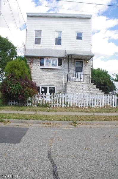 Maison unifamiliale pour l à louer à 83 4th Street Woodbridge, New Jersey 07064 États-Unis