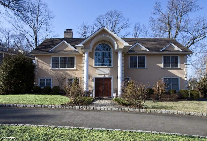 Single Family Home for Sale at 26 Green Hill Road Springfield, New Jersey 07081 United States