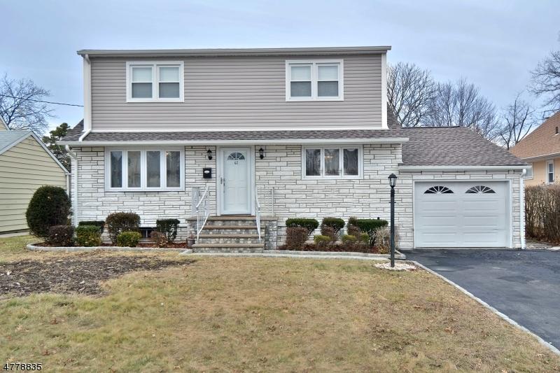 واحد منزل الأسرة للـ Sale في 41 Springdale Court 41 Springdale Court Clifton, New Jersey 07013 United States