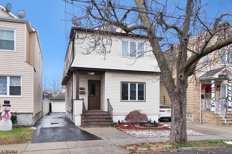 独户住宅 为 出租 在 220 Hathaway Street Wallington, 新泽西州 07057 美国
