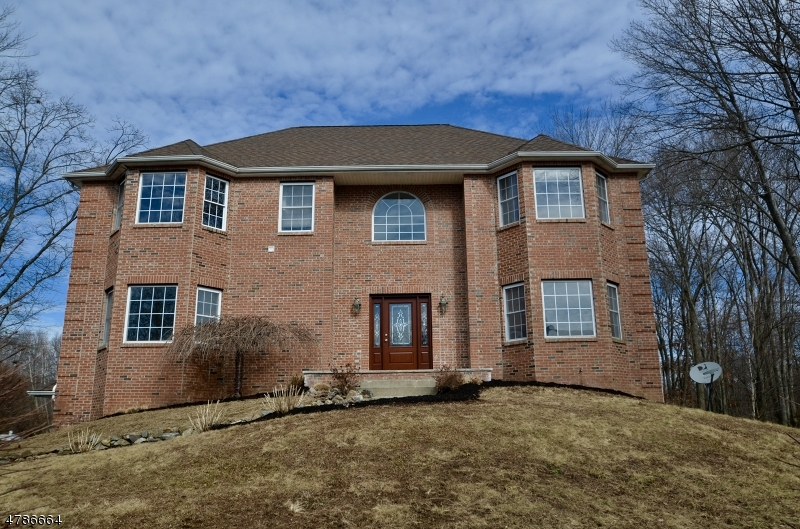 Single Family Home for Sale at 29 Swan Lane Jefferson Township, New Jersey 07849 United States