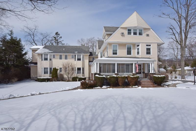 独户住宅 为 出租 在 104 Cottage Place 里奇伍德, 新泽西州 07450 美国