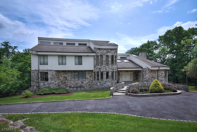 Single Family Home for Rent at 26 Burning Hollow Rd 26 Burning Hollow Rd Saddle River, New Jersey 07458 United States