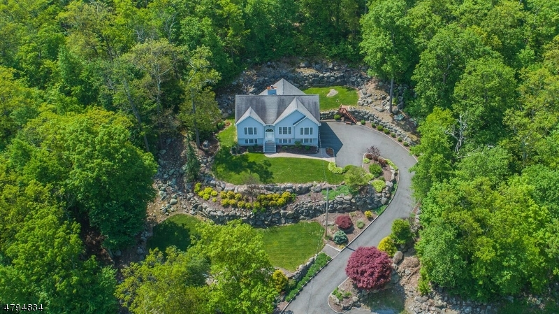 独户住宅 为 销售 在 401 Ridge Road Jefferson Township, 新泽西州 07438 美国