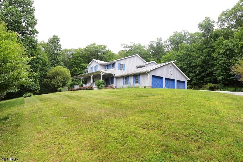 Частный односемейный дом для того Продажа на 1 ARROWHEAD Trail Ringwood, Нью-Джерси 07456 Соединенные Штаты