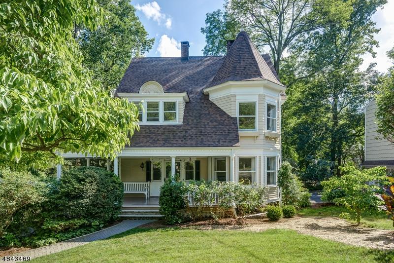 Maison unifamiliale pour l à louer à 80 LINDEN Street Millburn, New Jersey 07041 États-Unis